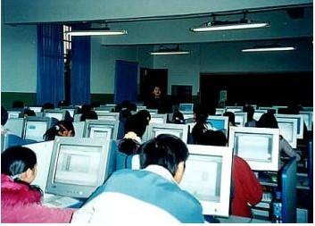 计算机基础,office 平面设计,计算机组装与维护,网页及 flash动画制作